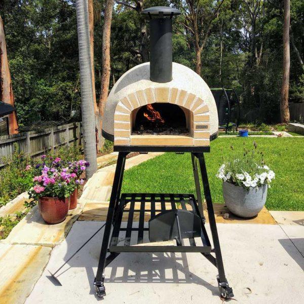 RUS70-Pizza Oven-Brick-Facade